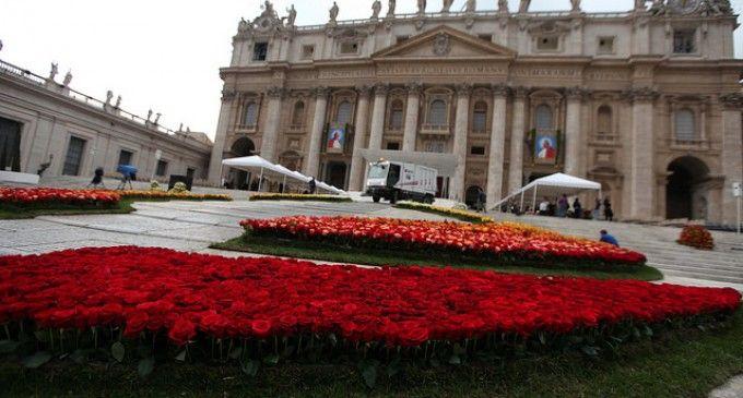 Rosas ecuatorianas engalanan ceremonia de Canonización en la Santa Sede