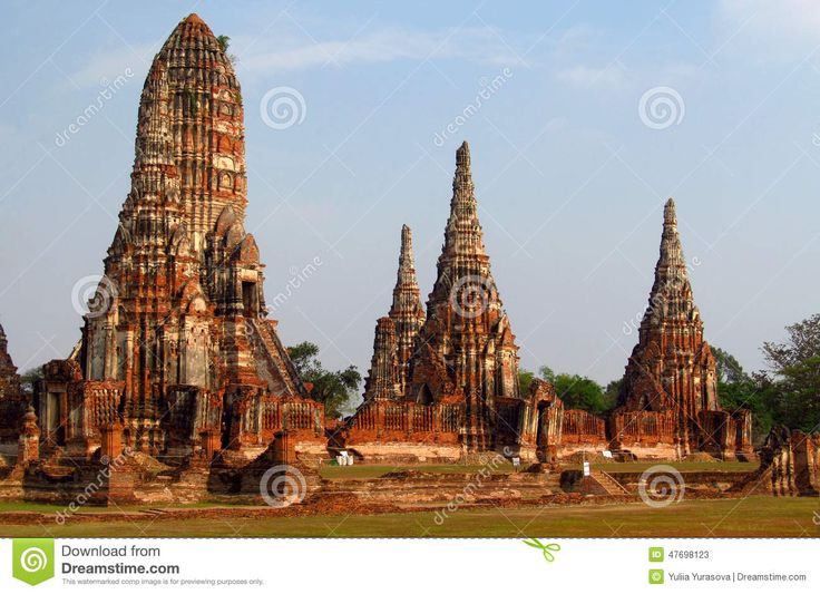 ayutthaya-ancient-temple-ruins-phra-nakhon-si-capital-city-thailand-north-bangkok-buddhist-temples-statues-47698123.jpg (1300×942)