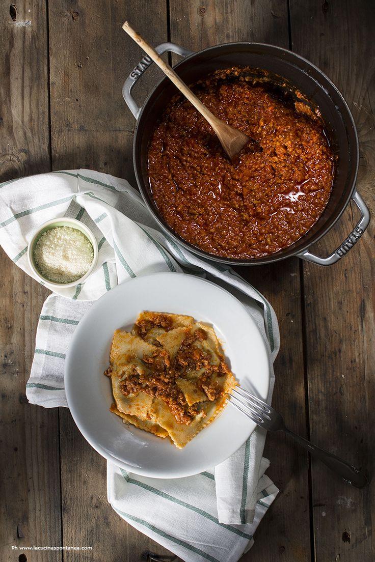 I ravioli di patate e cavolo nero con ragù di carne di Chiara e MArta
