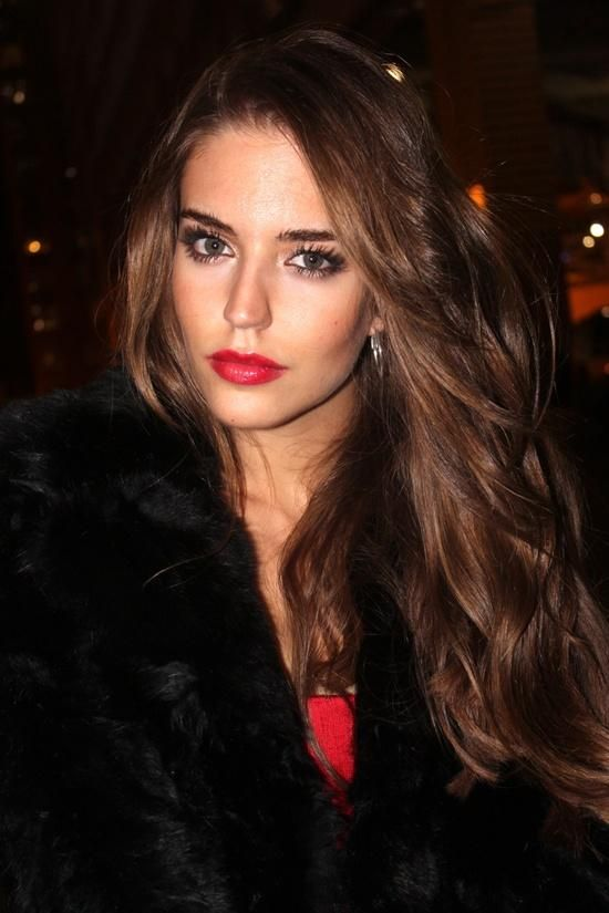 Clara Alonso. Pretty berry lip and long lashes.