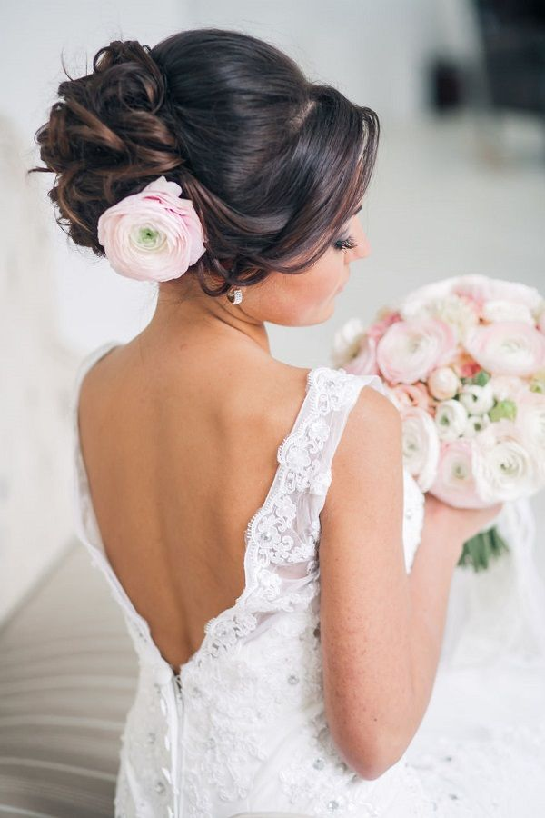 25 Romantic Long Wedding Hairstyles Using Flowers | http://www.deerpearlflowers.com/25-romantic-long-wedding-hairstyles-using-flowers/