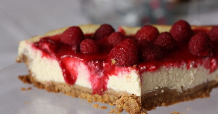 Cheesecake, coulis de fruits rouges