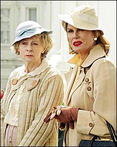 Geraldine McEwan as Miss Marple  wearing a vintage style duster jacket. - Agatha Christie