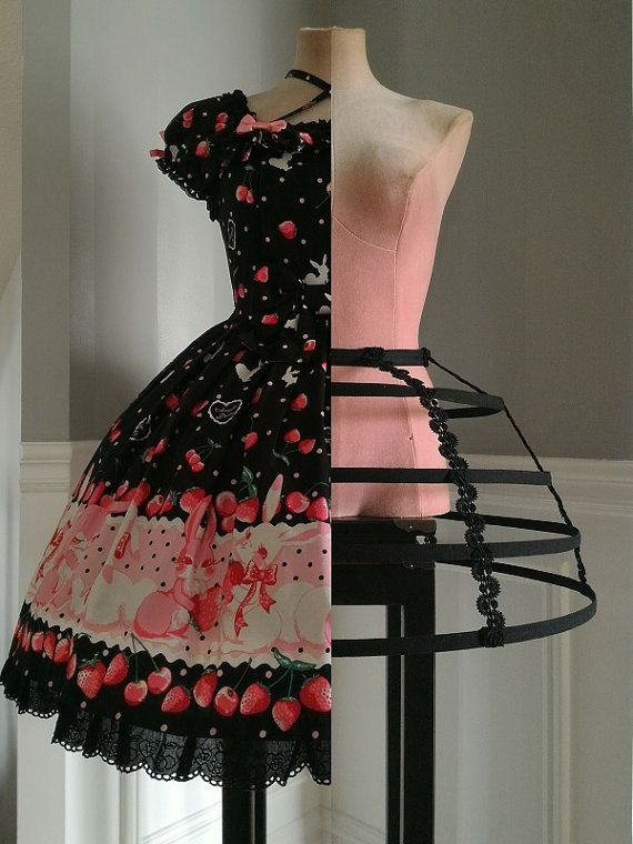 Cage/Hoop Skirt - Cupcake (42cm long*) in black with heavy duty spring steel, perfect for bridal or period costume/cosplay use