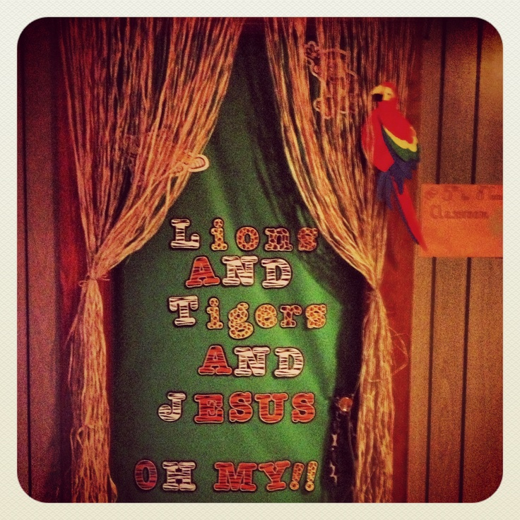 VBS Jungle Jaunt Classroom Door Decor.