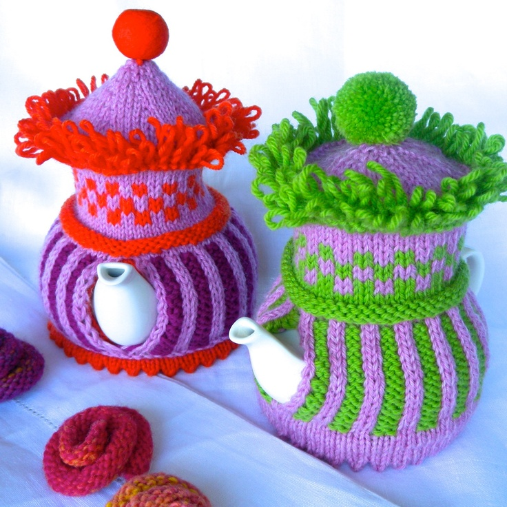 Knitted Chicken Tea Cosy Pattern : 1000+ images about Knit/Crochet-Tea Cozy on Pinterest Tea cosies, Tea cozy ...