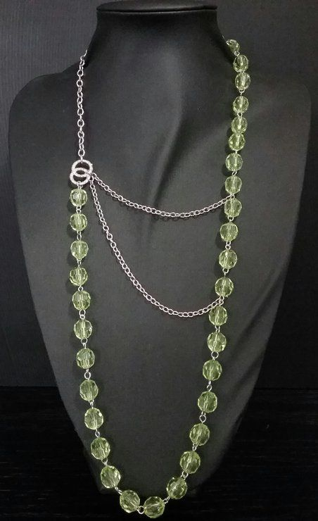 Green bead and silver chain  by IV Creations