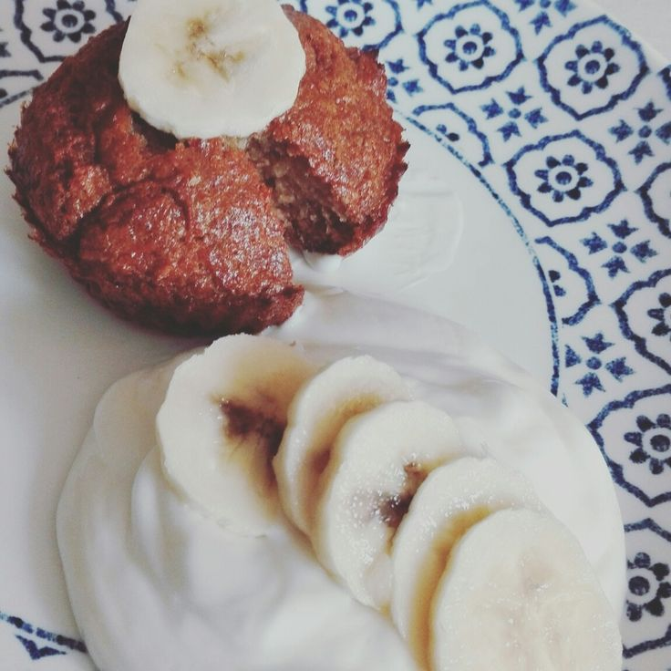 Oatmeal apple muffins, with honey, yoghurt and banana, baked in airfryer!