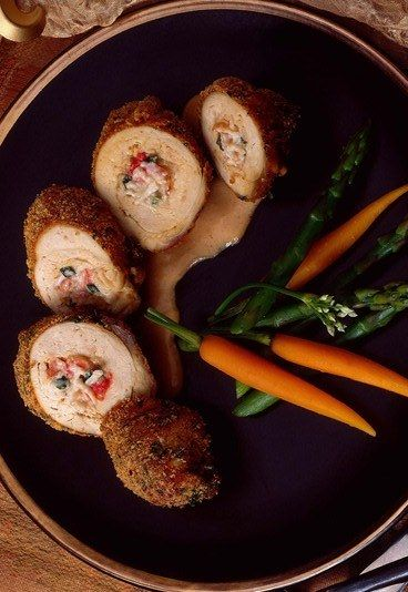 Poulet à la Kiev : Recette de poulet à la Kiev - Recettes du monde: Nos recettes pour voyager depuis votre cuisine - aufeminin