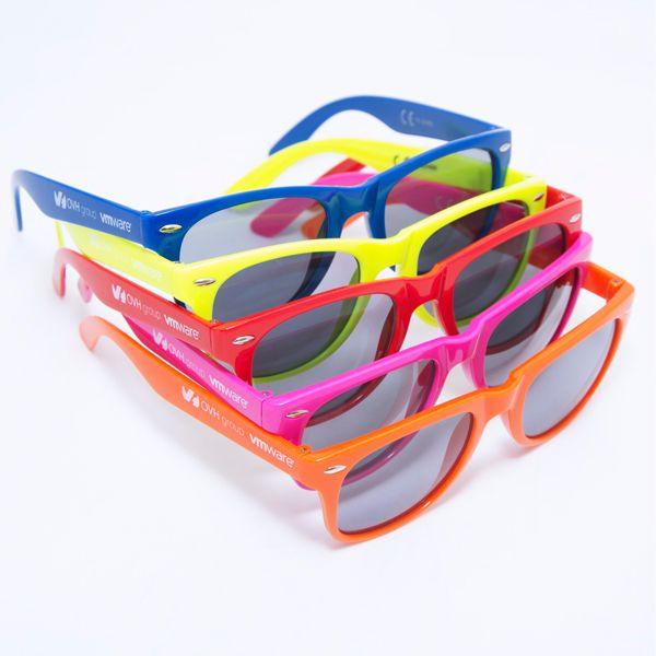 Objet Publicitaire - Goodies - Lunettes - Lunettes de plusieurs couleurs sérigraphiées type wayfarer pour le Summit d'OVH.