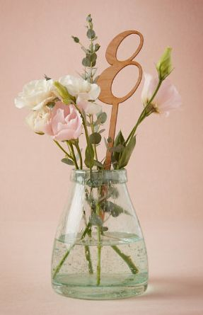 beautiful centerpiece decor  http://rstyle.me/n/viw9epdpe