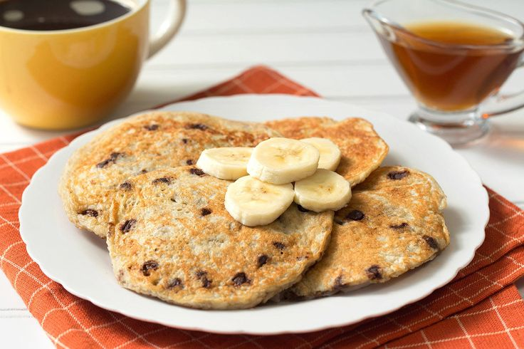 Hungry Girl's Healthy Flourless 5-Ingredient Banana Chocolate Pancakes Recipe