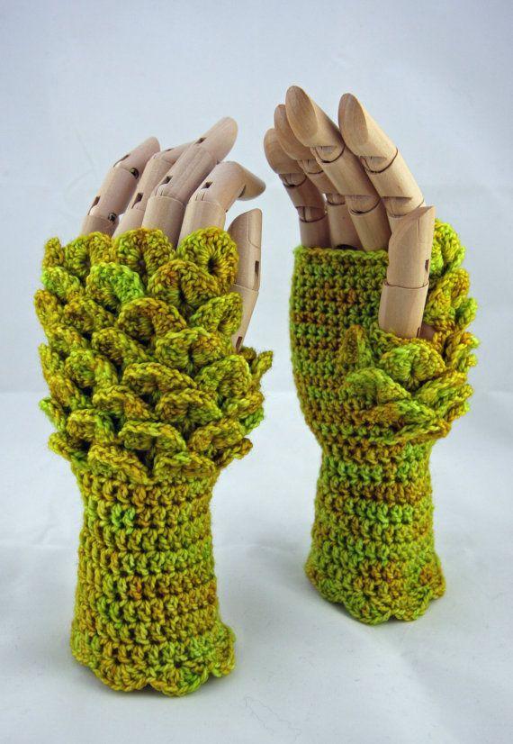 Dragon scale fingerless gloves - maple leaf - Game of Thrones inspired - green - merino - crochet