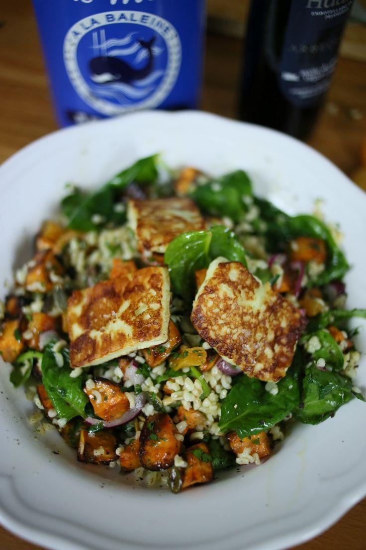 Egy tartalmas bulgur saláta grillezett sajttal