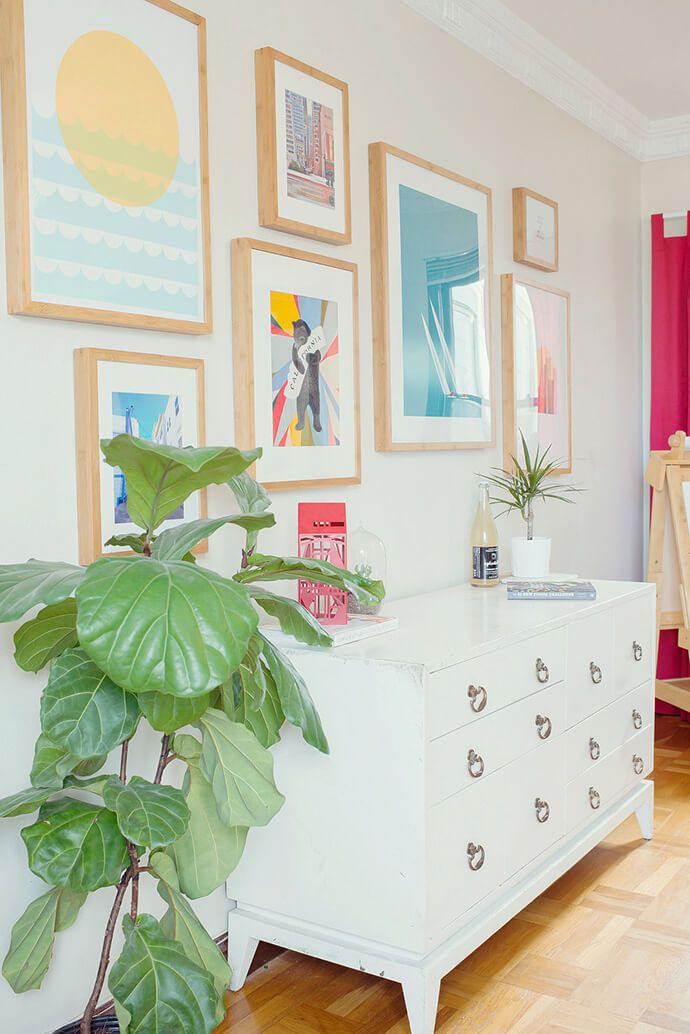 Colorful gallery wall | Glitter Guide