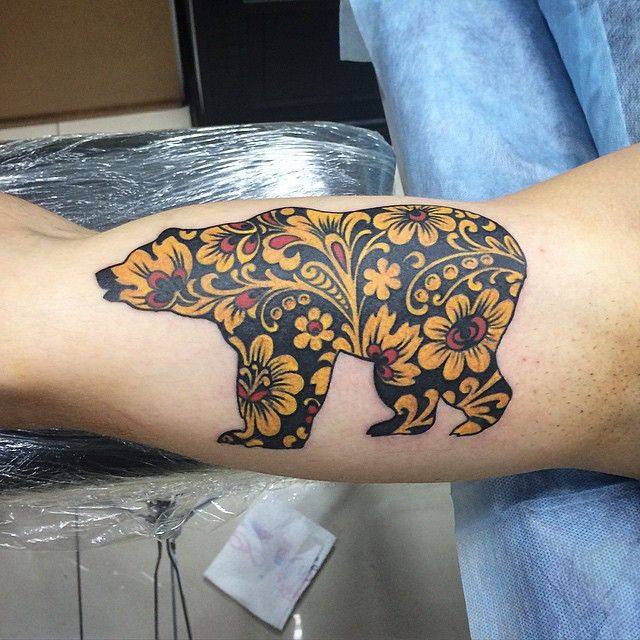 Russian hohloma bear tattoo art