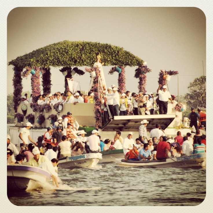 Ya estamos cerca de iniciar con las #fiestas en honor de la #VirgenDeLaCandelaria +Info http://www.turismoenveracruz.mx/2013/01/vamonos-a-tlacotalpan-este-2-de-febrero-2013/ #tradiciones #cultura #Virgen #LaCandelaria #Tlacotalpan #Veracruz #Turismo #Viajes #Travel #Jarochos