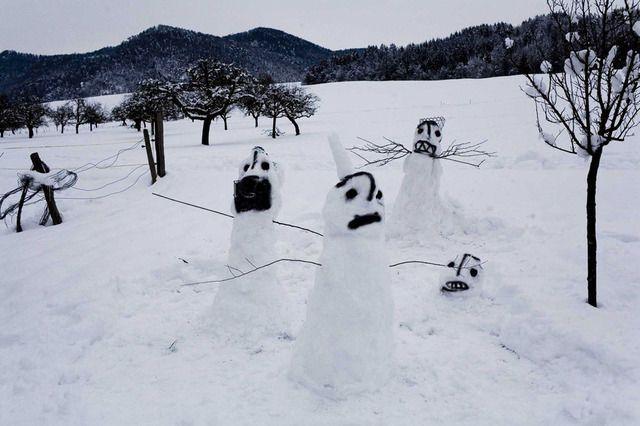 Augustin Rebetez, Untitled (snowmen) (2012)