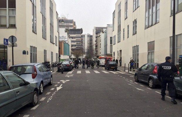 Tiroteio deixa 10 mortos em Paris | Gavião da Paraíba