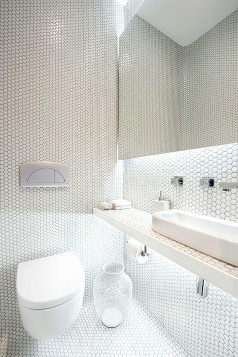 Hexagon, white WC