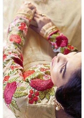 georgette beige costume Anarkali, - 137,00 €, #AnarkaliCostume #laModeExclusive #Robe à la mode #Shopkund