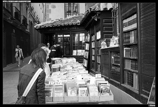 Librería San Ginés sita en la calle Arenal de Madrid. J. Clares Fotografias: Libros