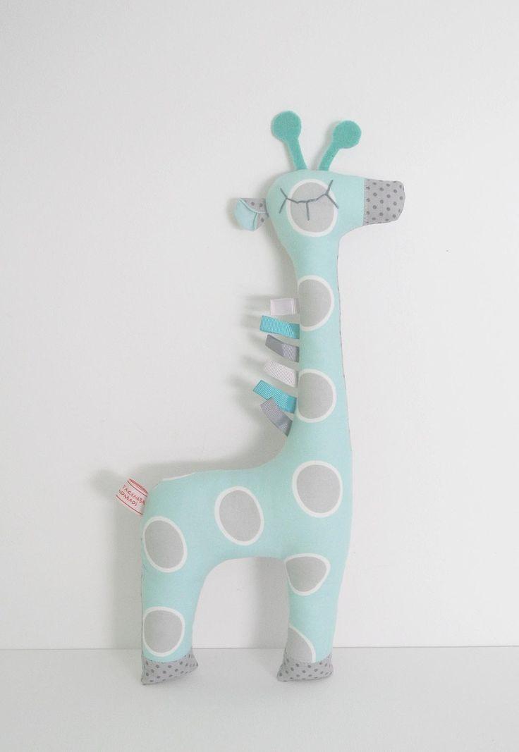 Peluche doudou Girafe ton bleu turquoise gris et blanc à motifs et pois par Rang'TaChambre : Jeux, peluches, doudous par rang-ta-chambre