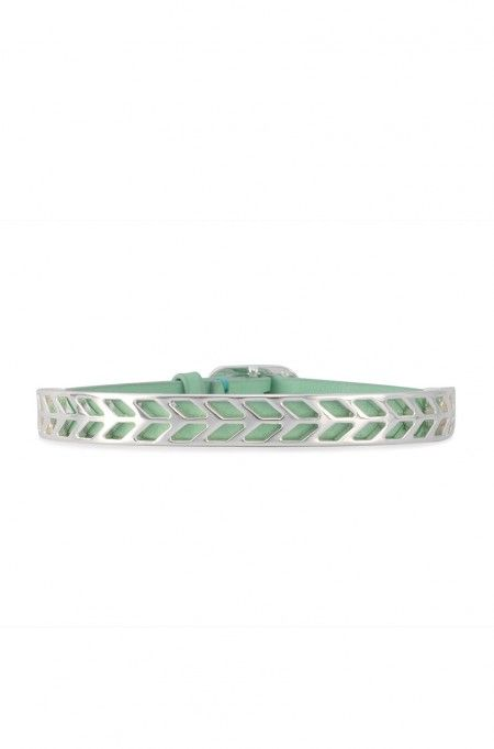 Accent your look or layer your wrist accessories with style when you wear this elegant bracelet. Strive to shine with this silver bracelet from Stella & Dot.