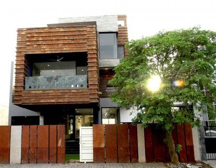 Gairola House