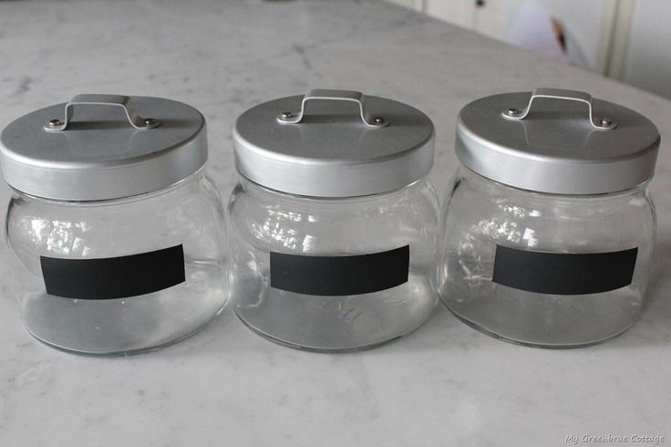 Great idea to label jars - use chalkboard paint!: Paintings Mason Jars, Chalkboards Paintings, Jars Labels, Chalkboards Mason Jars, Glasses Jars, Chalk Labels, Cool Ideas, Mason Jars Projects, Chalkboards Labels