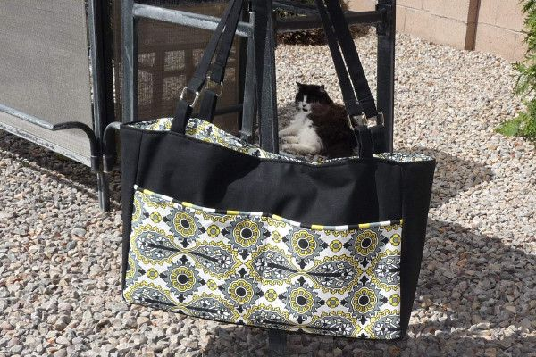Tutorial on how to sew a divided, multi compartment diaper bag....I might be brave enough to attempt this one day.