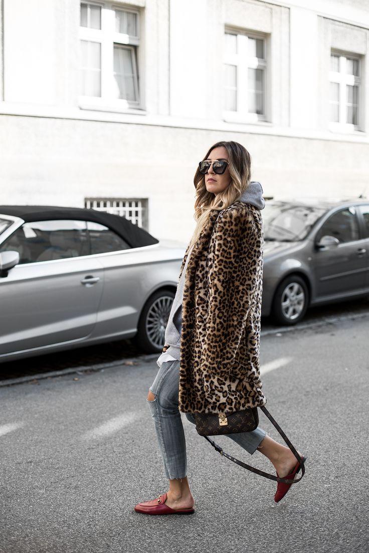 Sandra Ebert von black palms trägt Leo Mantel Gucci ...