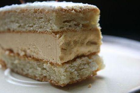 Miserable recept uit SOS Piet met amandelcake en boterroom