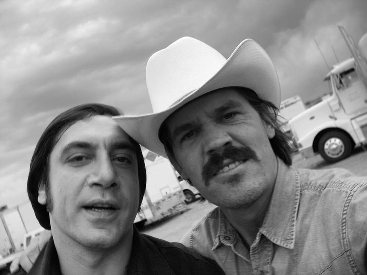 Javier Bardem and Josh Brolin behind the scenes of Coens' No Country for Old Men.