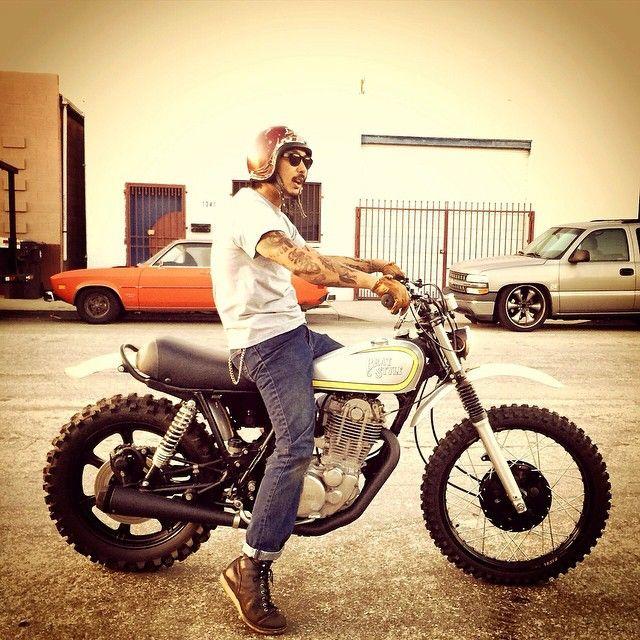 Test riding @ Brat USA #bratstyleusa_ #bratstyle #yamaha #sr500 #vmx