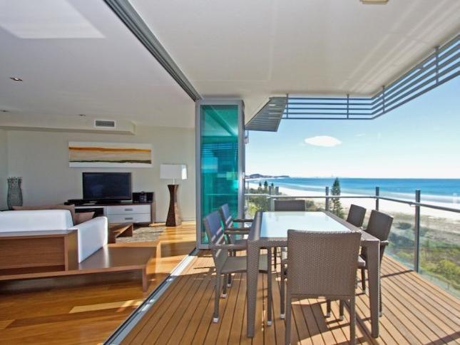 Kirra Wave 702 - Beachfront Luxury : Kirra Wave 702 - Beachfront Luxury  in Coolangatta