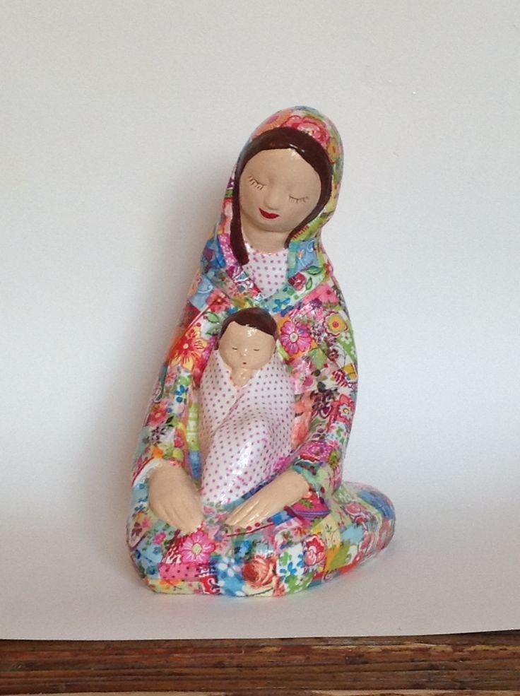 Virgen niñita