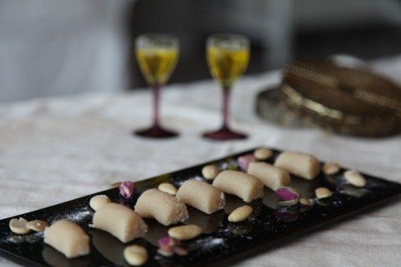 Turkish dessert Badem Ezmesi Tarifi