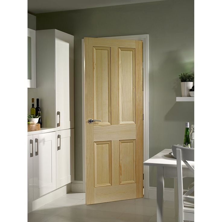 Internal Clear Pine Edwardian Vertical Grain 4 Panel Door