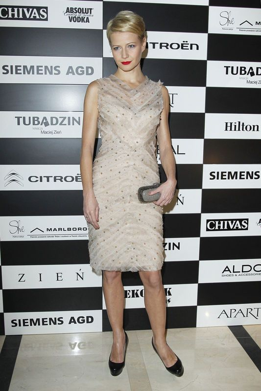 Małgorzata Kożuchowska w sukience Zień na pokazie Macieja Zienia, listopad 2010r., fot. Akpa