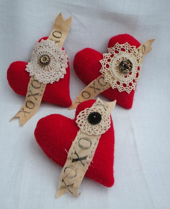 Valentine Red Hearts Primitive Valentine