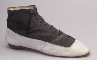 How To Mend Leather Shoes