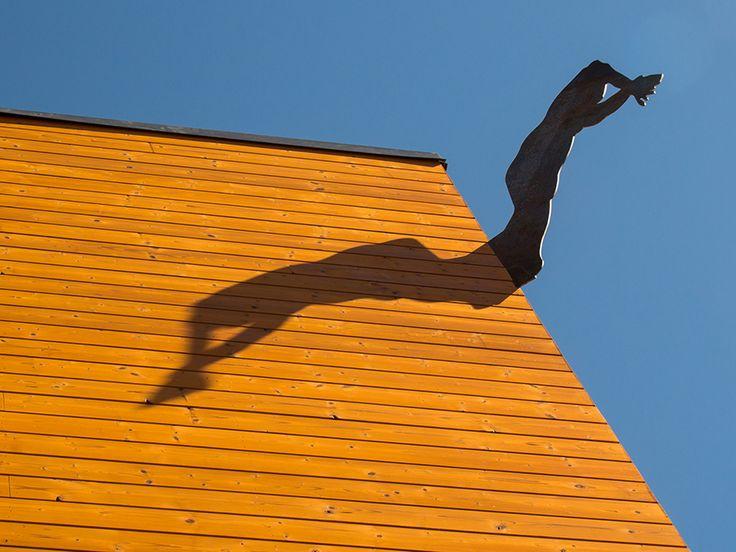 Jeux d'ombres, stade Olympique de natation, Hameenlinna, Finlande - Architecte Architecte : FCG Finnish - Conception lumière : WhiteNight lighting © darc awards 2015