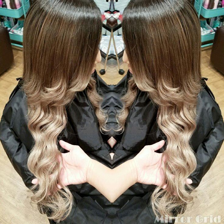 #根本暗め の#グラデーションカラー  #ombre #balyageombre  #Balyage  #Haircolor #extensions  #gray #ash #グラデーション #ヘアカラー #エクステ #アッシュ #グレー #くすみ  #Hairsalon #Welina #hitomiyanagida  #myworks #お客様photo #じゅりちゃん #ありがとう