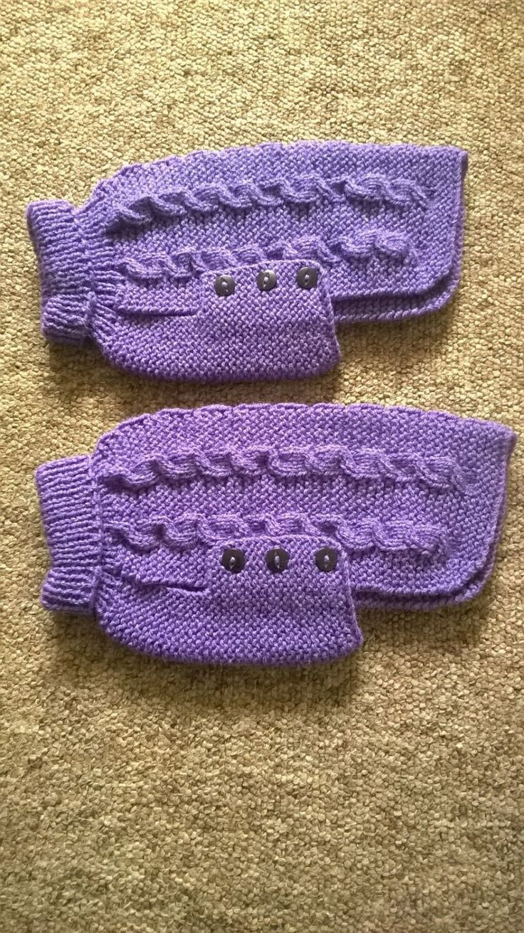 Free Knitting Hat Patterns For Men : Hand Knitted Dog Jumper Hands, Jumpers and Dog jumpers
