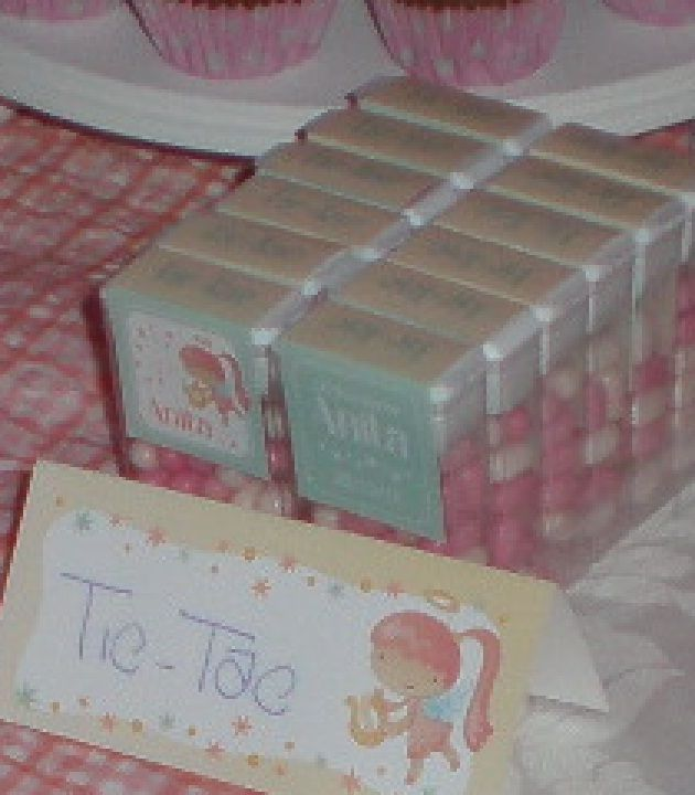 Golosinas totalmente personalizadas en este candy bar para Anita en su fiesta de bautismo By Dulcinea de la fuente www.facebook.com/dulcinea.delafuente  #fiesta #festejo #cumpleaños #mesadulce#fuentedechocolate #agasajo# #candybar  #tamatización #personalizado #souvenir #party box #regalos personalizados #catering finger food#catering de té y chocolate