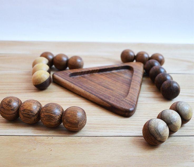 Wooden Pyramid 3D puzzle, decor & Massage tool   Hlavolam drevená pyramída puzzle