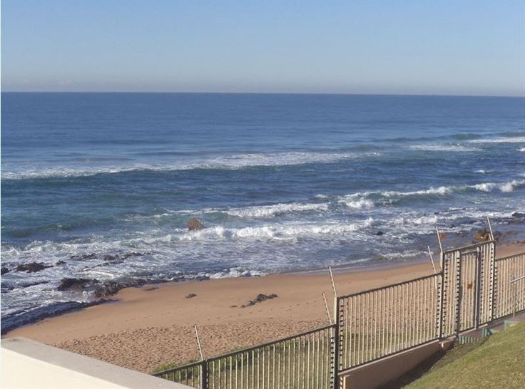 Buxenhude - Buxenhude is a lovely unit situated in a secure apartment complex, practically on the beach in Shaka's Rock. The apartment offers self-catering accommodation ideal for families looking for a seaside ... #weekendgetaways #ballito #southafrica