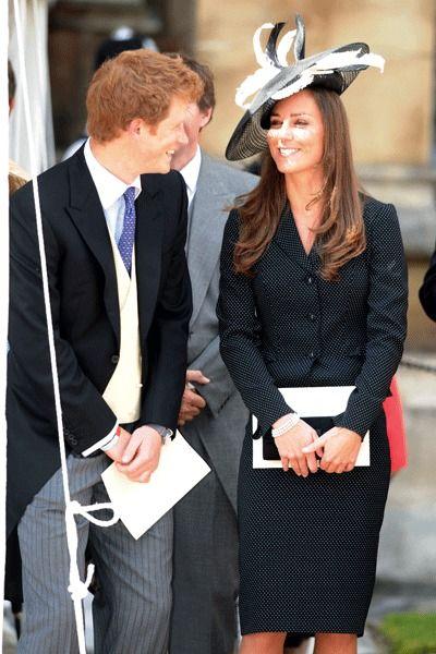 Kate Middleton met ses chapeaux aux enchères