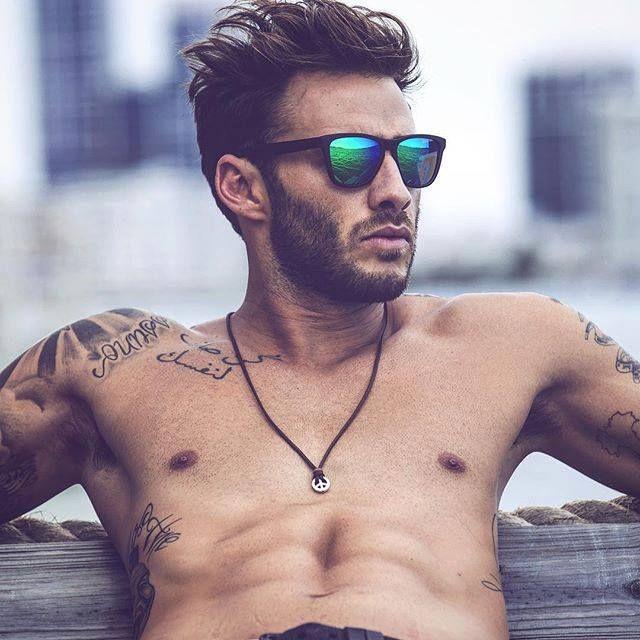 Rayas y Cuadros: Blog de Moda Masculina: Elegimos nuestros 5 modelos favoritos de gafas Hawkers